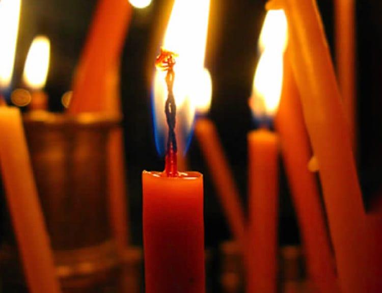 candles_easter_hike_greek-easter